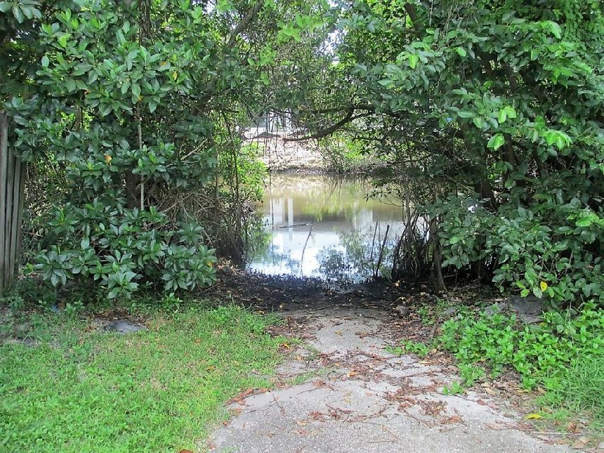 Additional photo for property listing at 693 Pawnee Street  Jupiter, Florida 33458 Vereinigte Staaten