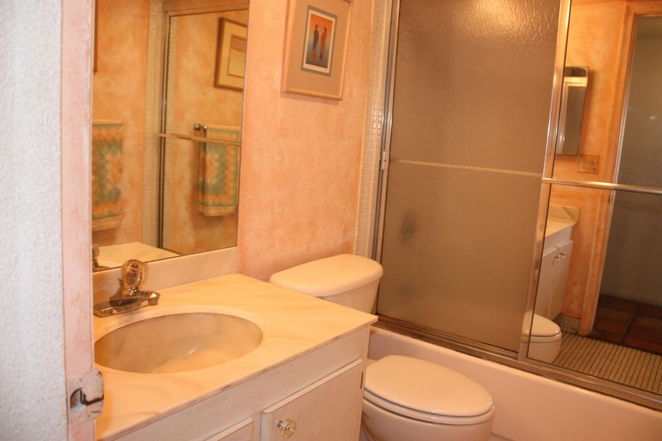 Additional photo for property listing at 4100 Tivoli Court  Lake Worth, Florida 33467 United States