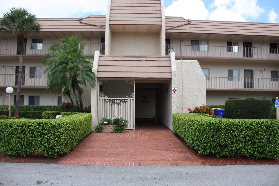 Additional photo for property listing at 4100 Tivoli Court  Lake Worth, 佛罗里达州 33467 美国