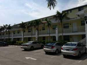 Co-op / Condominio por un Alquiler en 2660 NE 8th Avenue Wilton Manors, Florida 33334 Estados Unidos
