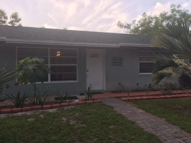 Additional photo for property listing at 16243 E Yorkshire Drive  Loxahatchee, Florida 33470 Estados Unidos