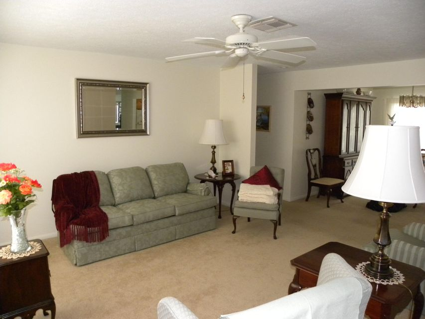 Additional photo for property listing at 350 SE Naranja Avenue 350 SE Naranja Avenue Port St. Lucie, Florida 34983 United States