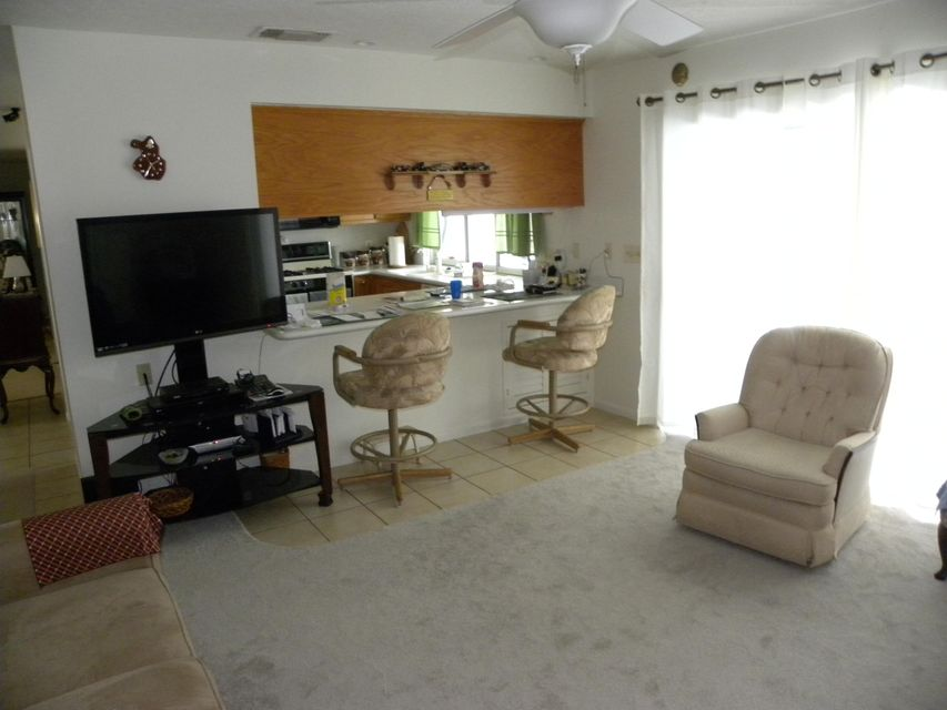 Additional photo for property listing at 350 SE Naranja Avenue 350 SE Naranja Avenue 圣露西港, 佛罗里达州 34983 美国