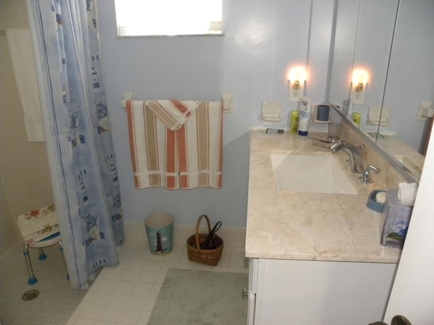 Additional photo for property listing at 350 SE Naranja Avenue  Port St. Lucie, Florida 34983 États-Unis