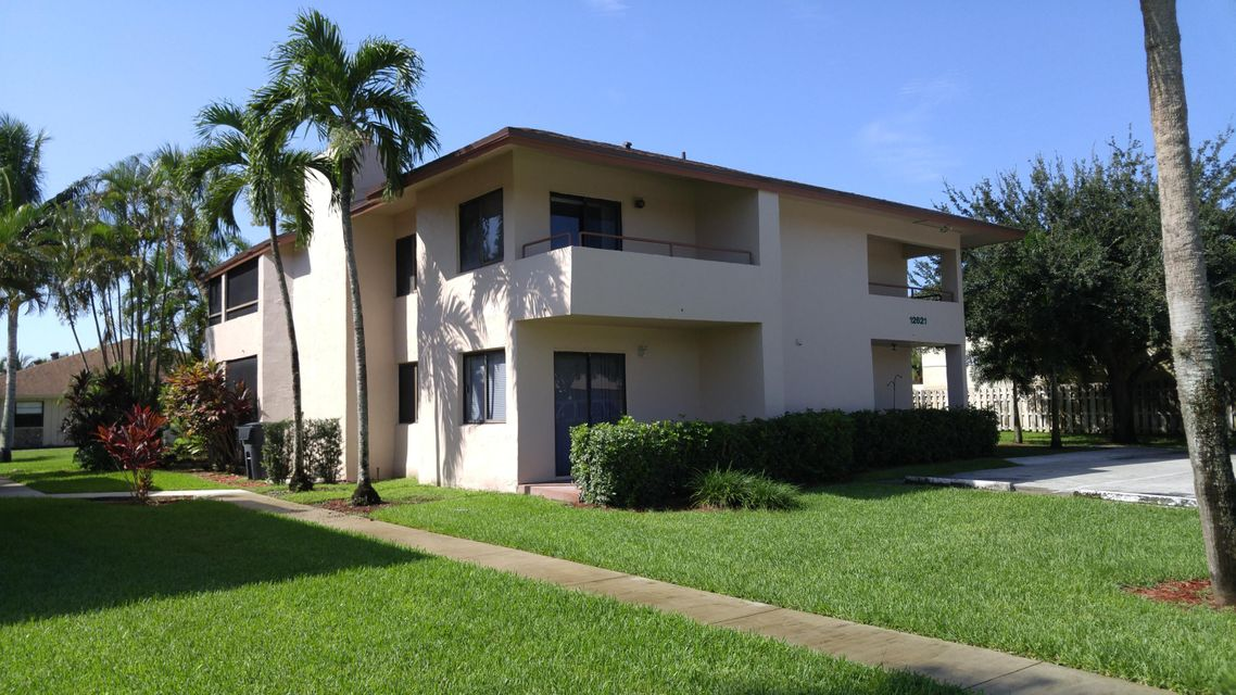 Co-op / Condo للـ Sale في 12621 Westhampton Circle Wellington, Florida 33414 United States