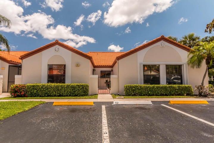 Villa por un Venta en 53 Centennial Court Deerfield Beach, Florida 33442 Estados Unidos