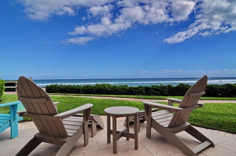 联栋屋 为 出租 在 6711 N Ocean Boulevard Ocean Ridge, 佛罗里达州 33435 美国