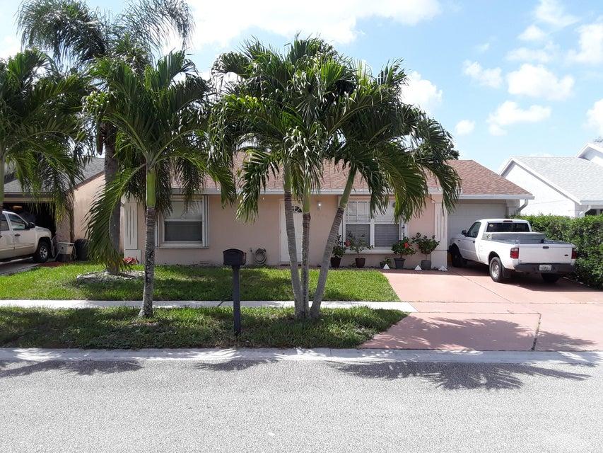 واحد منزل الأسرة للـ Sale في 5440 Twin Oakes Road 5440 Twin Oakes Road Lake Worth, Florida 33463 United States