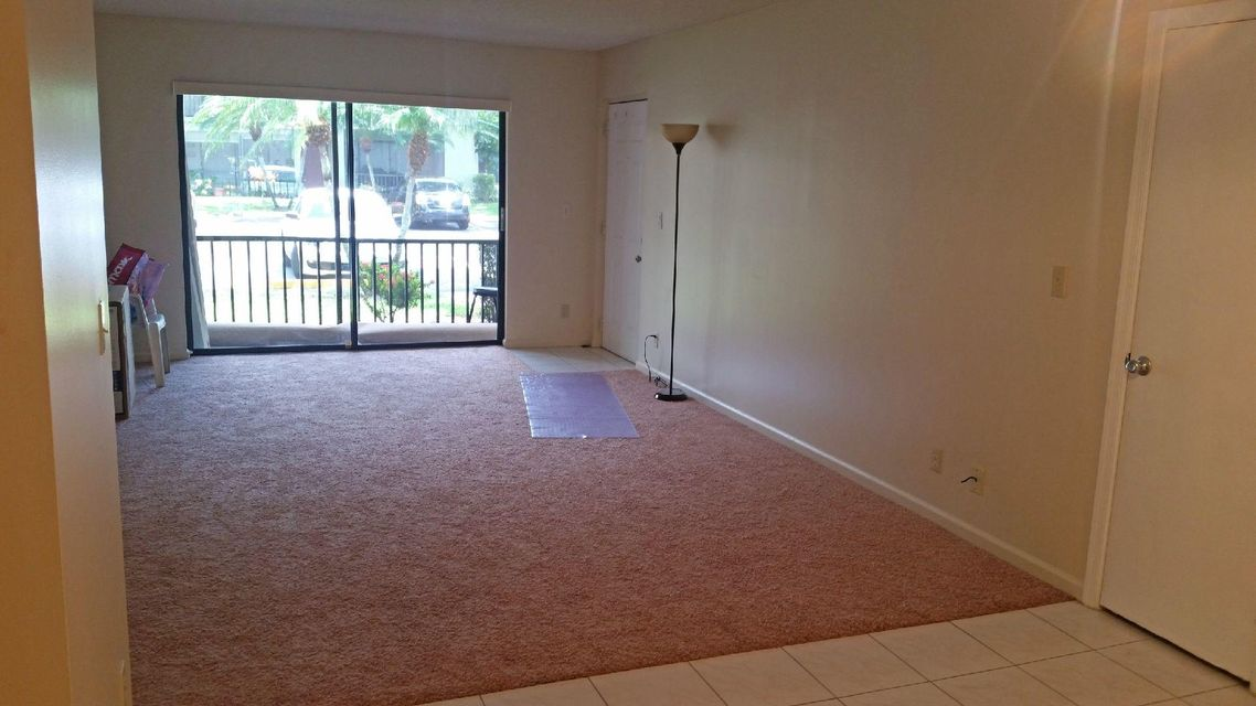 Additional photo for property listing at 9810 Pineapple Tree Drive  Boynton Beach, Florida 33436 Vereinigte Staaten