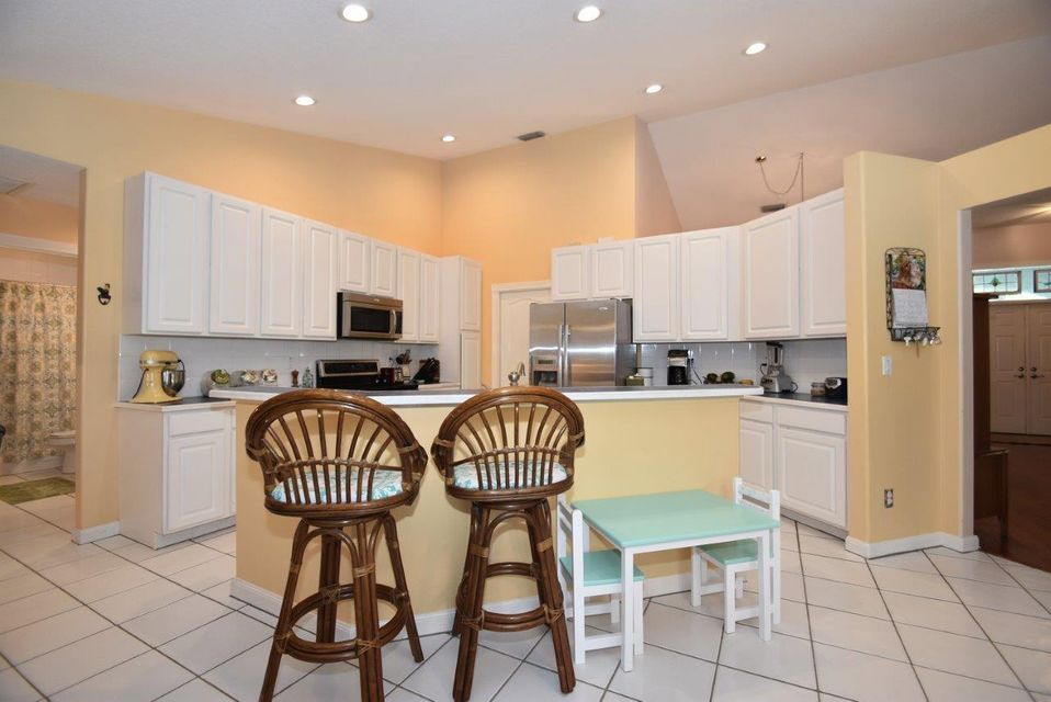 Additional photo for property listing at 8394 154th Court N  Palm Beach Gardens, Florida 33418 Estados Unidos