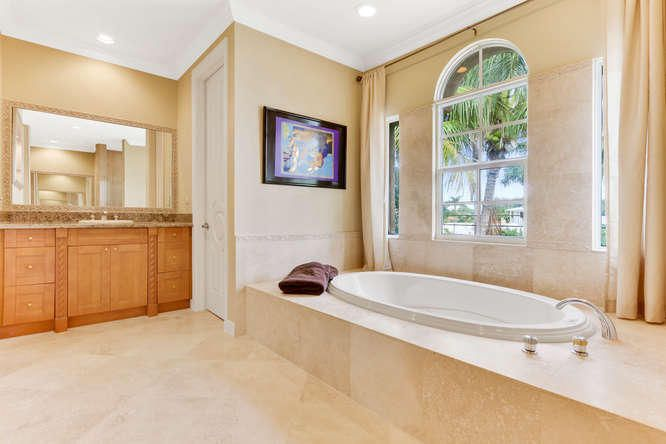 Additional photo for property listing at 772 NE 71st Street 772 NE 71st Street Boca Raton, Florida 33487 États-Unis