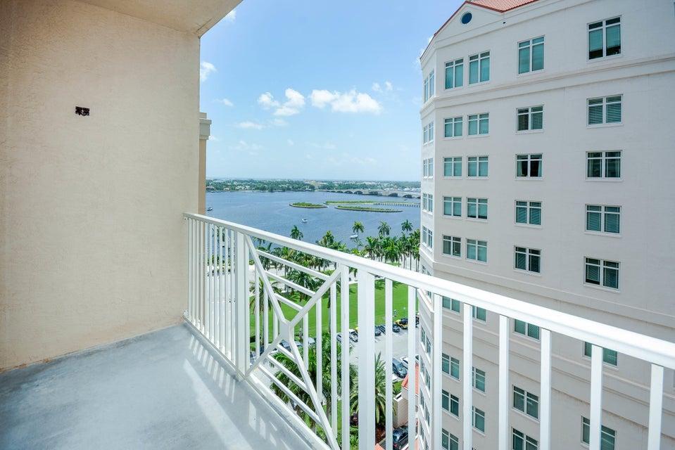 Cooperativa / condomínio para Locação às 255 Evernia Street 255 Evernia Street West Palm Beach, Florida 33401 Estados Unidos