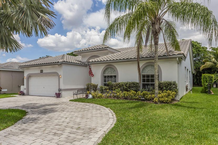 Additional photo for property listing at 5741 NW 56th Manor 5741 NW 56th Manor Coral Springs, Florida 33067 Vereinigte Staaten
