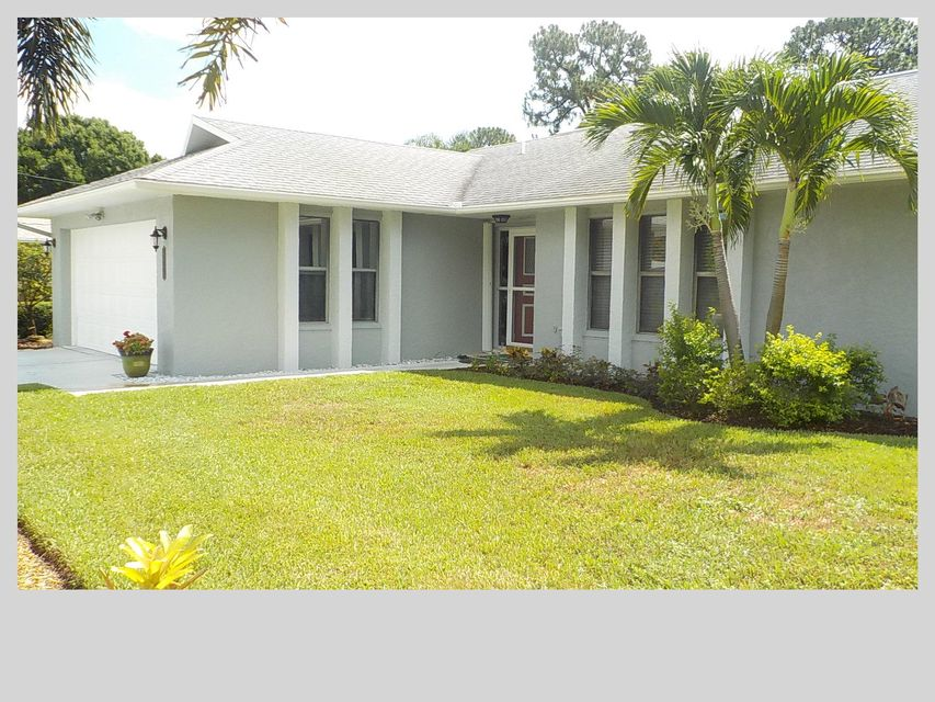 Casa Unifamiliar por un Venta en 2489 SE Delano Road Port St. Lucie, Florida 34952 Estados Unidos