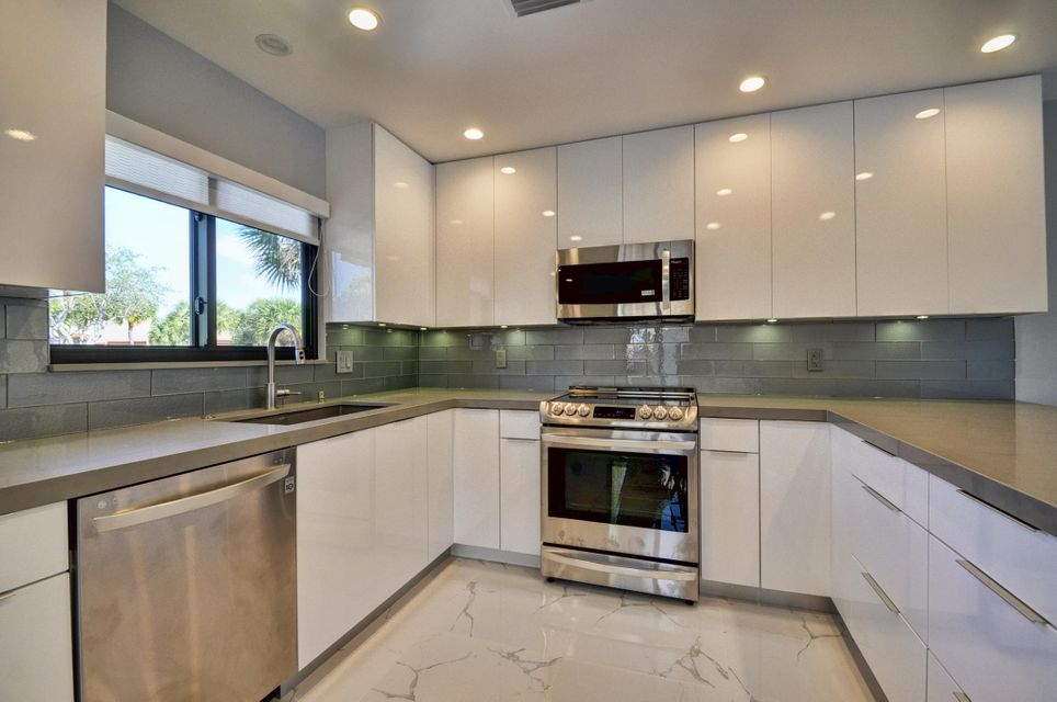 Additional photo for property listing at 7665 Glendevon Lane  Delray Beach, Florida 33446 United States
