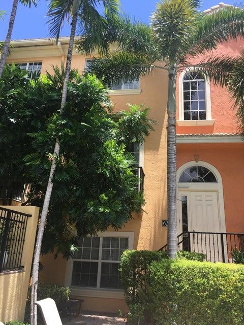 Maison accolée pour l Vente à 624 Renaissance Way Delray Beach, Florida 33483 États-Unis