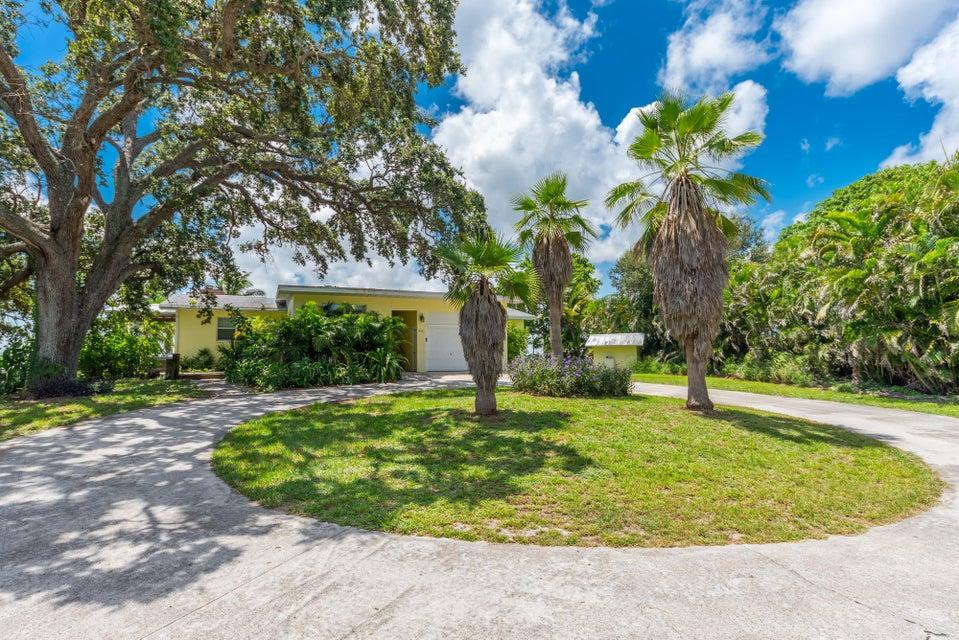 Additional photo for property listing at 850 NE Ixora Drive 850 NE Ixora Drive Jensen Beach, 佛罗里达州 34957 美国