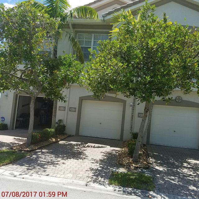 تاون هاوس للـ Sale في 3117 Laurel Ridge Circle Riviera Beach, Florida 33404 United States