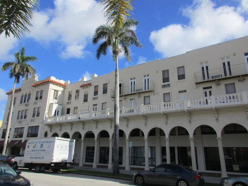 Cooperativa / condomínio para Venda às 235 Sunrise Avenue 235 Sunrise Avenue Palm Beach, Florida 33480 Estados Unidos