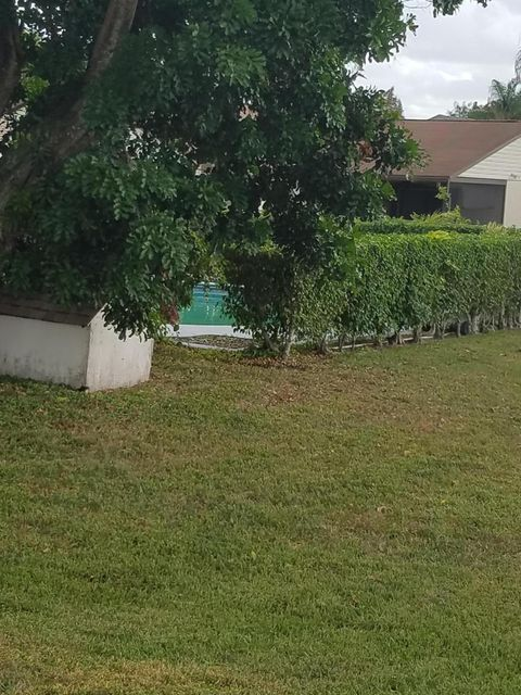 Additional photo for property listing at 292 Las Palmas Street  Royal Palm Beach, Florida 33411 United States