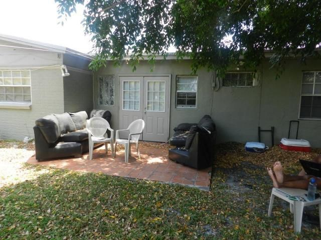 Additional photo for property listing at 2021 64th Avenue  Sunrise, Florida 33313 United States