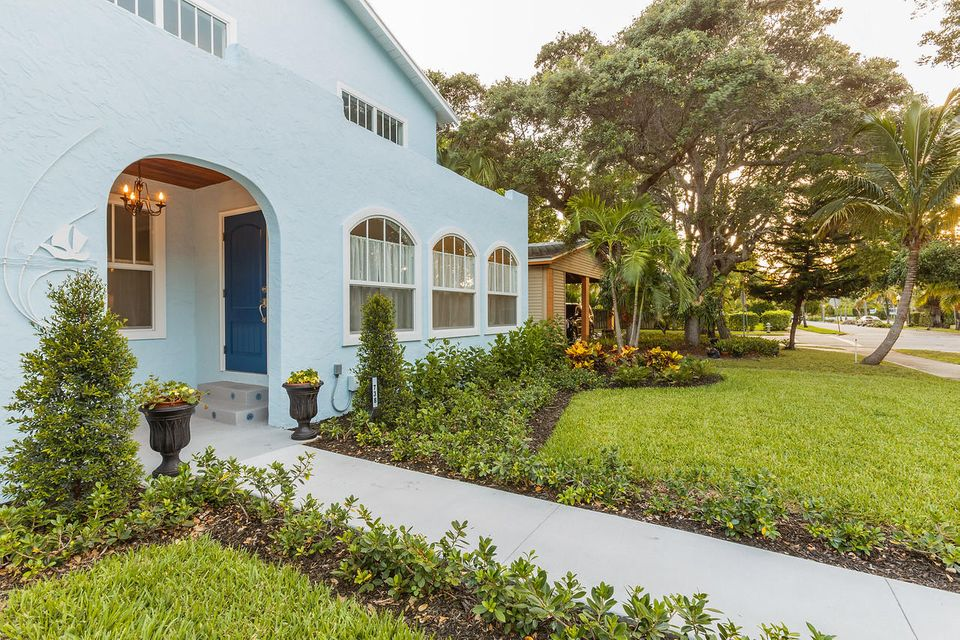 Additional photo for property listing at 738 Biscayne Drive 738 Biscayne Drive West Palm Beach, Florida 33401 United States
