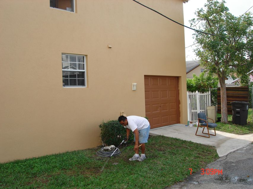 Additional photo for property listing at 917 Douglass  West Palm Beach, Florida 33401 Estados Unidos