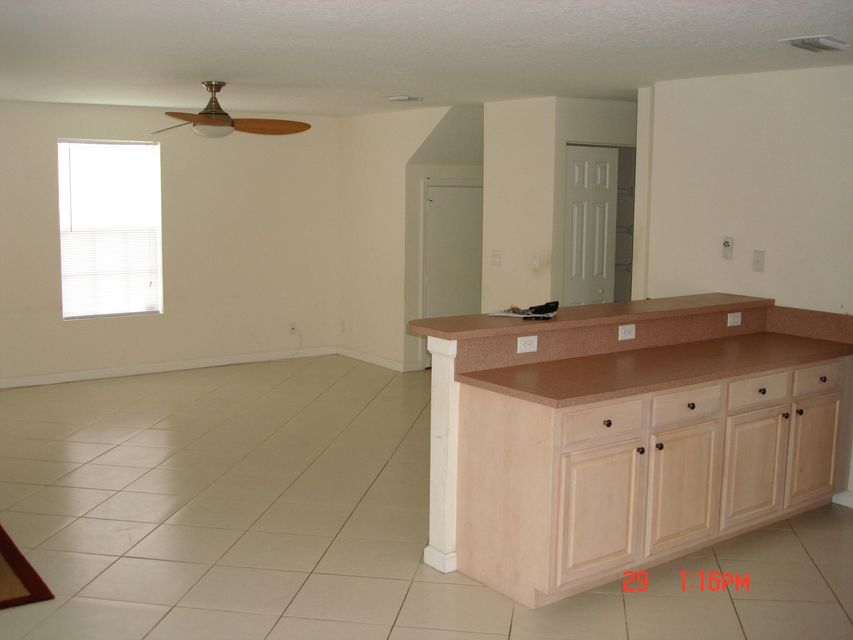 Additional photo for property listing at 917 Douglass  West Palm Beach, Florida 33401 Vereinigte Staaten