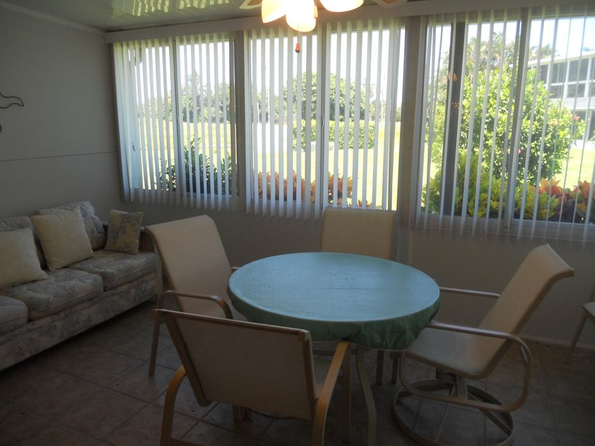 Additional photo for property listing at 1815 NW 18th Street  Delray Beach, Florida 33445 Estados Unidos