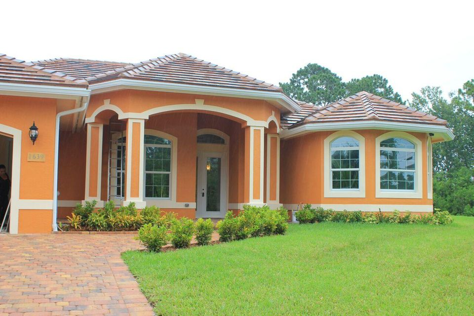 1639 SW Cefalu Circle, Port Saint Lucie, FL 34953