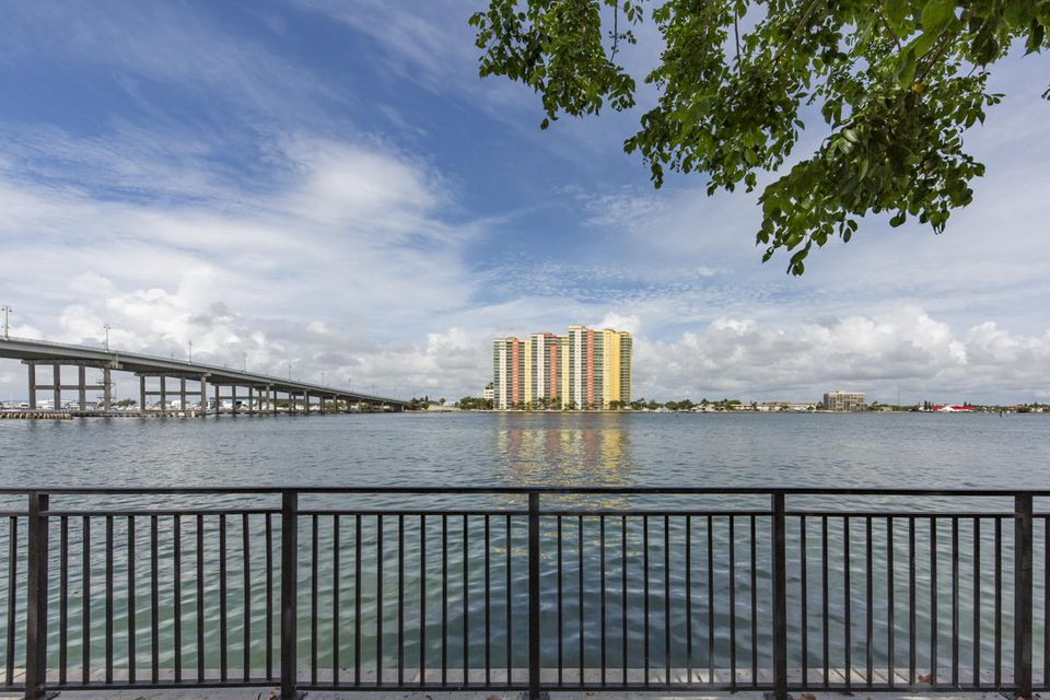 Co-op / Condo for Sale at 2640 Lakeshore Drive Riviera Beach, Florida 33404 United States
