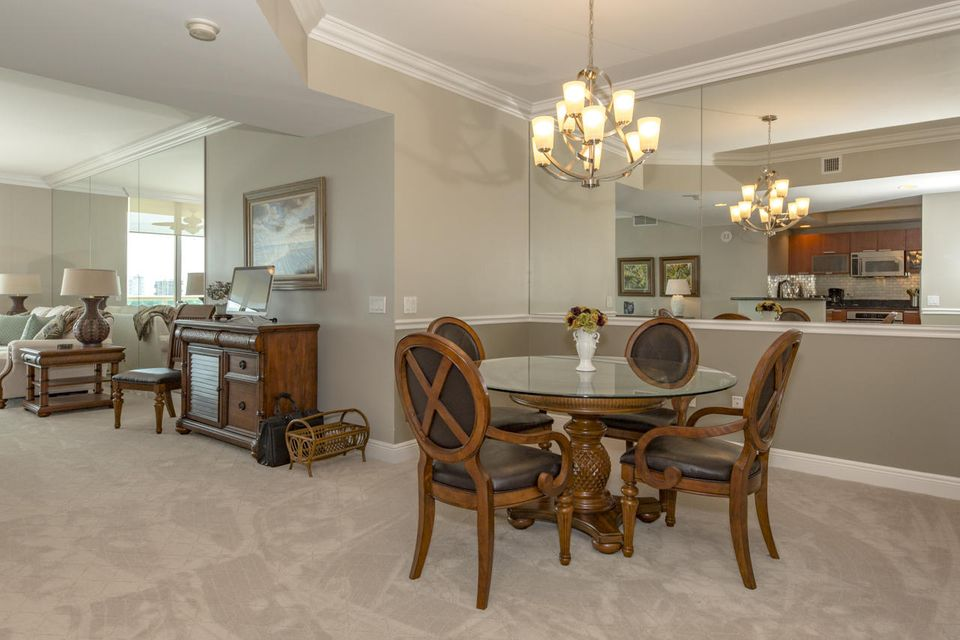 Additional photo for property listing at 2640 Lakeshore Drive  Riviera Beach, Florida 33404 United States