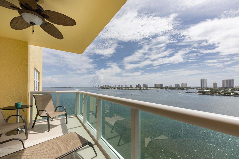 Additional photo for property listing at 2640 Lakeshore Drive 2640 Lakeshore Drive Riviera Beach, Florida 33404 United States