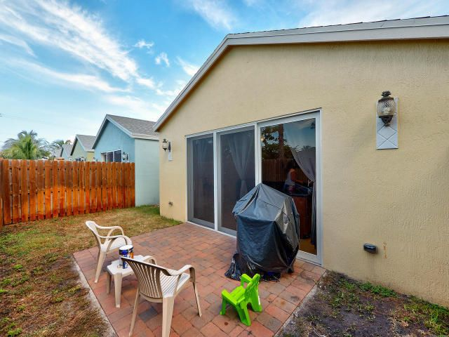 Additional photo for property listing at 3117 Shelby Way  Palm Springs, Florida 33461 Estados Unidos