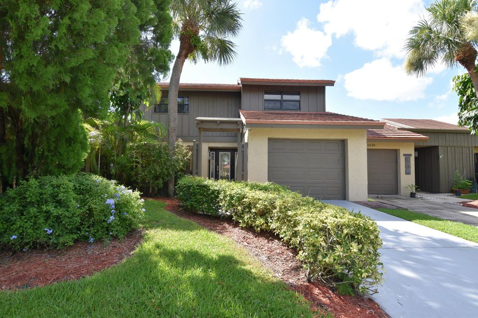 Townhouse for Sale at 11135 Oakdale Road Boynton Beach, Florida 33437 United States