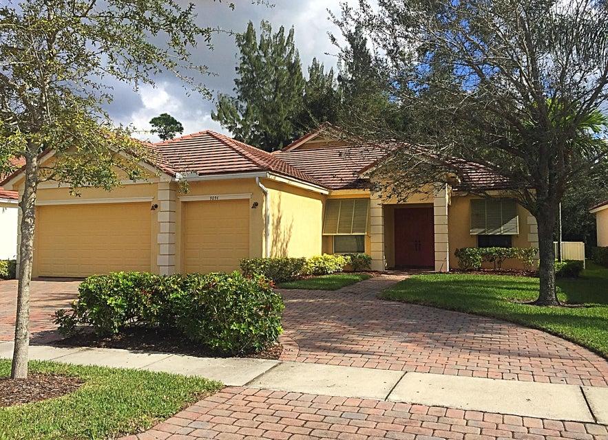 Alquiler por un Alquiler en 9094 New Hope Court Royal Palm Beach, Florida 33411 Estados Unidos