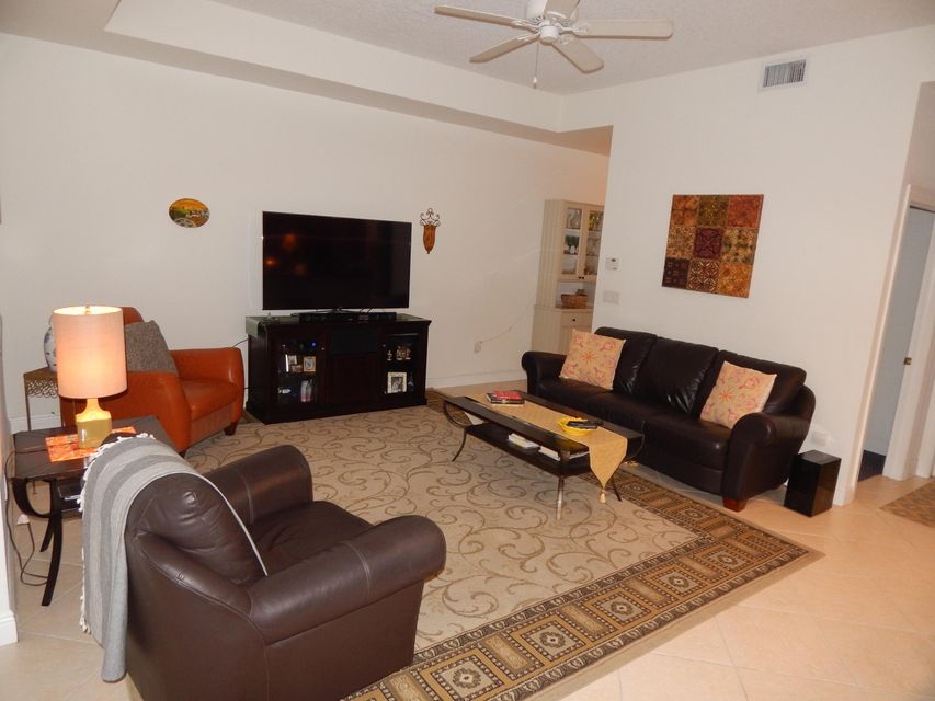Additional photo for property listing at 518 N Federal Highway  Lake Worth, Florida 33460 United States
