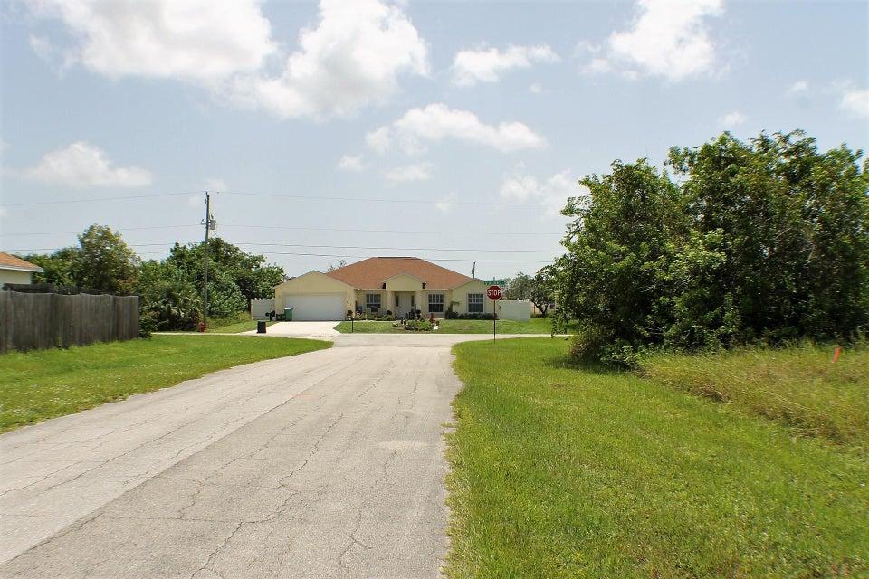 Additional photo for property listing at 612 SW Sarazen Avenue  Port St. Lucie, Florida 34953 Estados Unidos