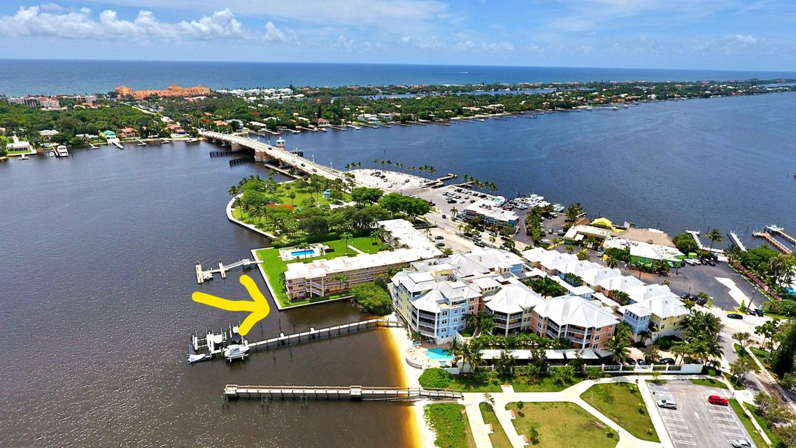Coopérative / Condo pour l Vente à 311 E Ocean Avenue 311 E Ocean Avenue Lantana, Florida 33462 États-Unis