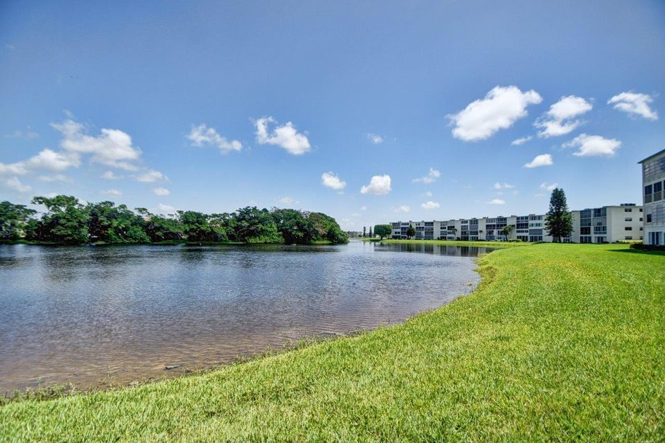 Additional photo for property listing at 1057 Ainslie  Boca Raton, Florida 33434 États-Unis