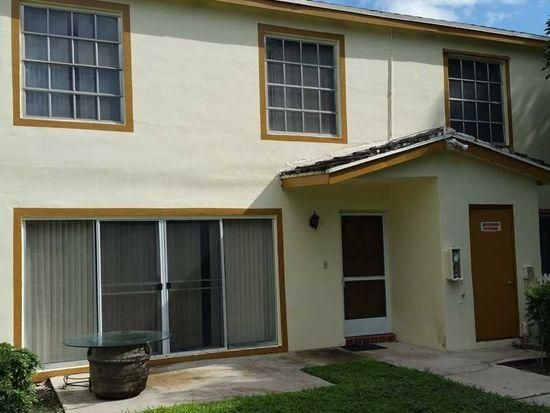 Townhouse for Sale at 5881 NW 57th Avenue 5881 NW 57th Avenue Tamarac, Florida 33319 United States
