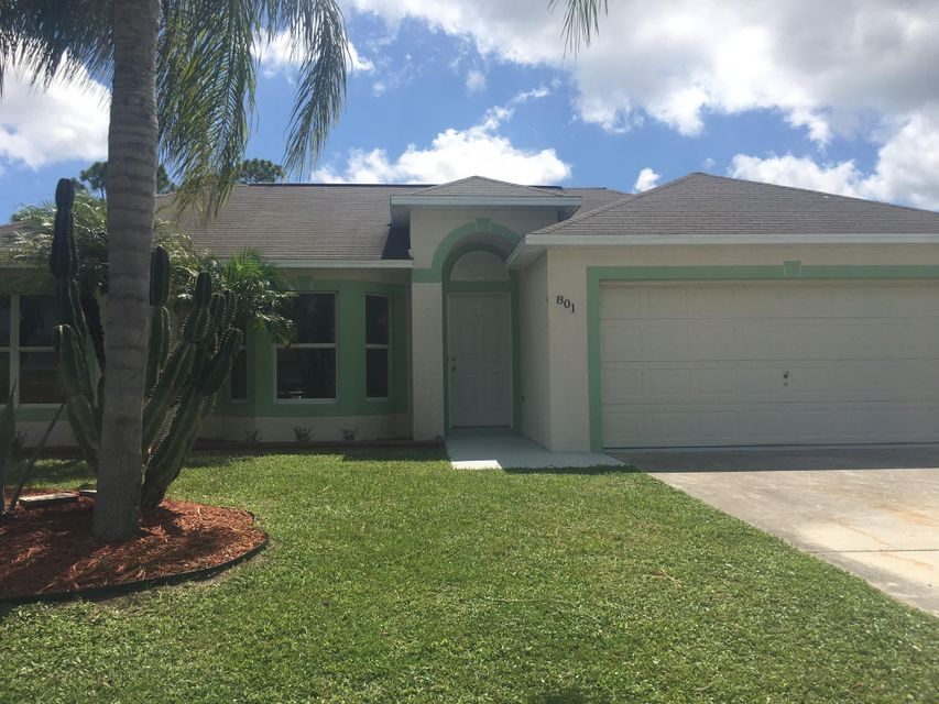 Additional photo for property listing at 801 SW Curry Street  Port St. Lucie, Florida 34983 Estados Unidos