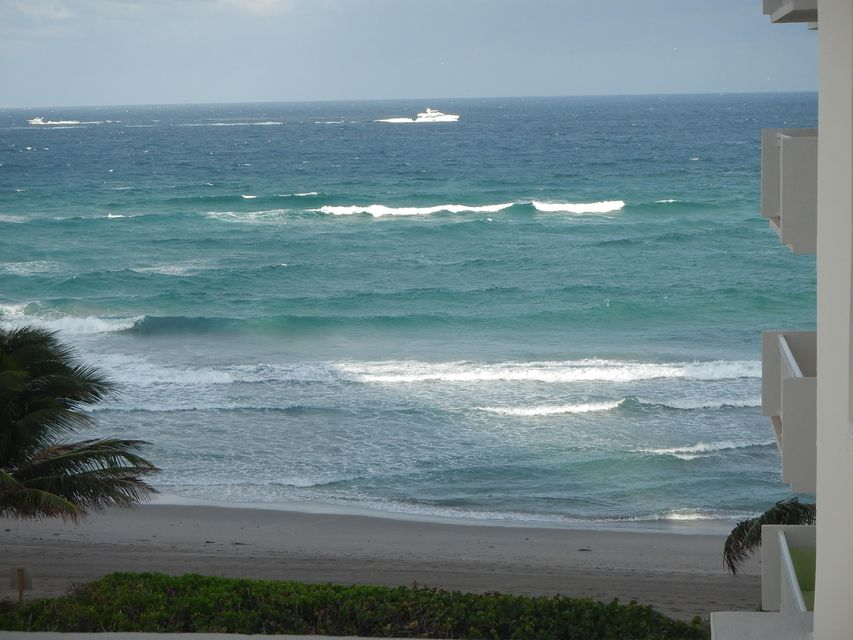 3221 S Ocean Boulevard 406, Highland Beach, FL 33487