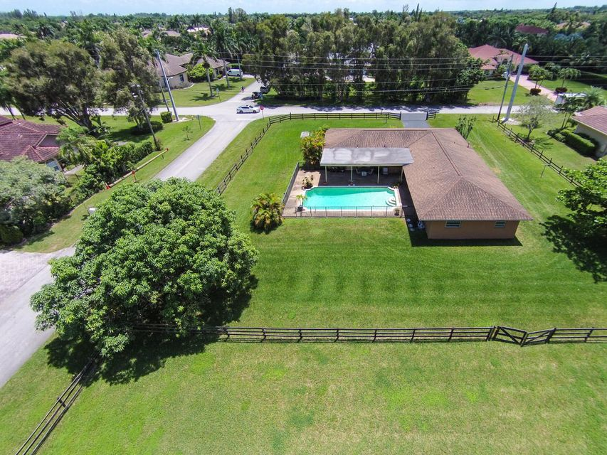 Single Family Home for Sale at 12201 NW 12th Street 12201 NW 12th Street Plantation, Florida 33323 United States