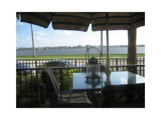 Konsum / Eigentumswohnung für Verkauf beim 1801 N Flagler Drive West Palm Beach, Florida 33407 Vereinigte Staaten