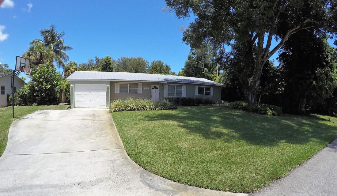 House for Sale at 2359 Holly Lane Palm Beach Gardens, Florida 33410 United States