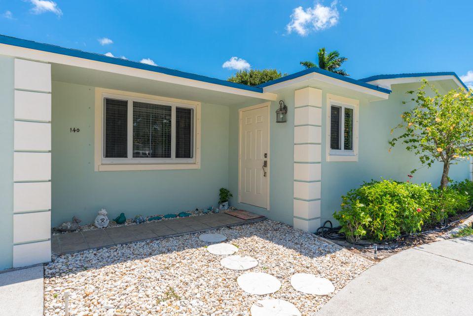 Additional photo for property listing at 140 Yucatan Drive 140 Yucatan Drive Palm Springs, Florida 33461 États-Unis