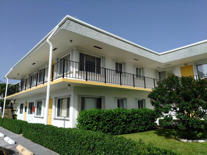 Condominium for Sale at 3120 Lake Osborne Drive # 206 3120 Lake Osborne Drive # 206 Lake Worth, Florida 33461 United States