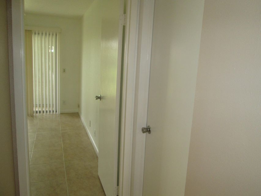 Additional photo for property listing at 145 Saxony D  Delray Beach, Florida 33446 Vereinigte Staaten