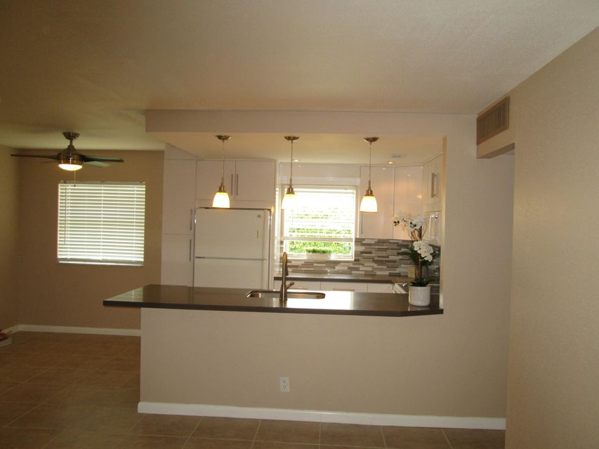 Additional photo for property listing at 145 Saxony D  Delray Beach, Florida 33446 United States